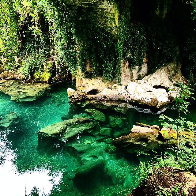 ✔ Ruta del Cares…  Aguas de color turquesa entre Románticas montañas en el Norte de España