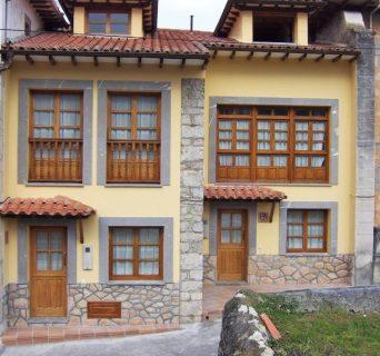 Gran casa rural con capacidad desde 4 hasta 10 personas en el pueblín de Porrua