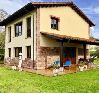 Casa rural con capacidad hasta 6 personas frente a los Bufones de Pría